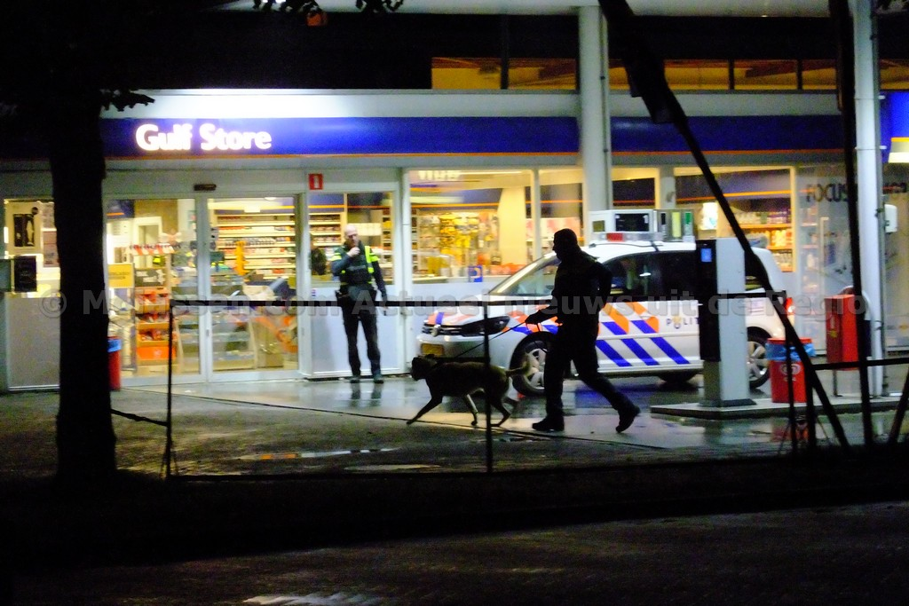 Overval Gulf tankstation aan de Zwartwatersweg in Assen