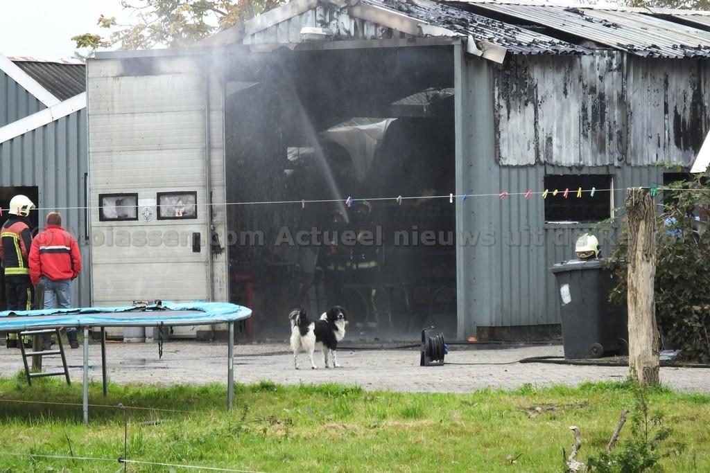video:Brand in loods met agrarisch materieel in Hoogersmilde