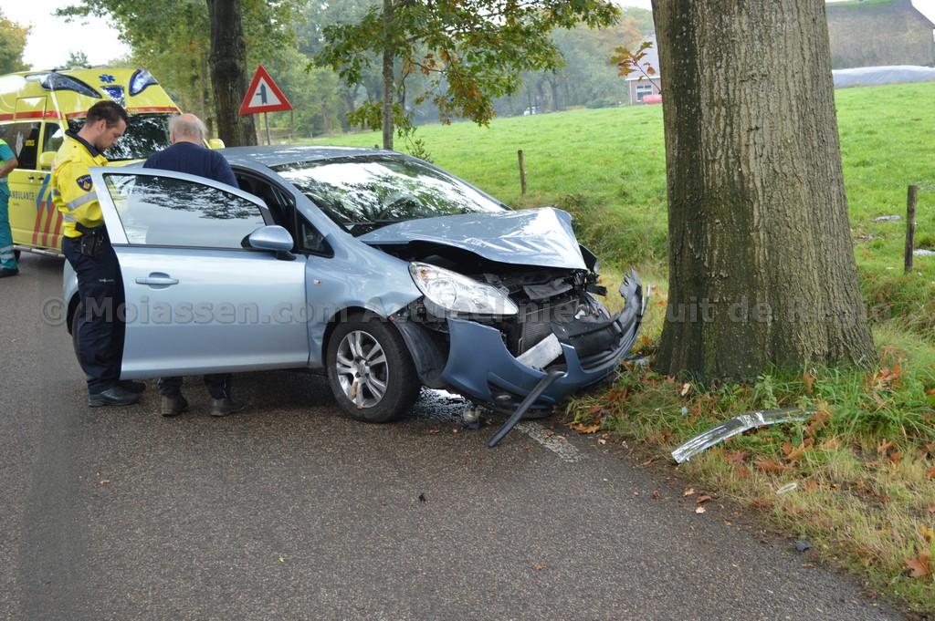 Eenzijdig verkeersongeval Peesterweg in Zeijen