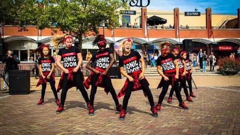 Dansteam Sonic Boom uit Assen wint Nederlands Kampioenschap