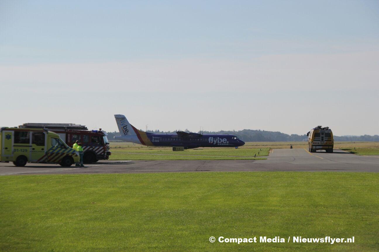 Vliegtuig maakt voorzorgslanding op Groningen Airport Eelde