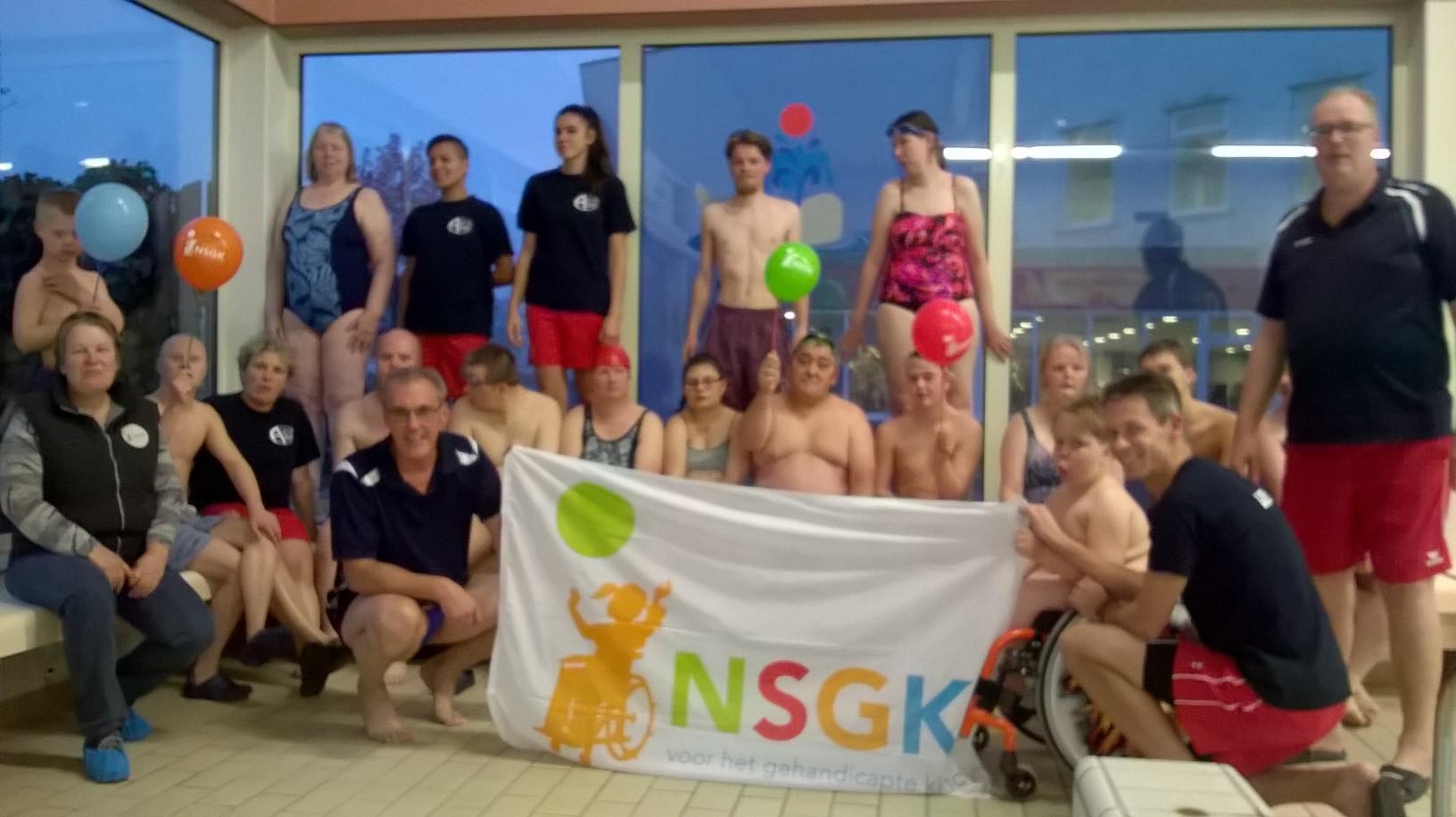 Zwemvereniging Aqua '68 ontvangt bijdrage van de NSGK