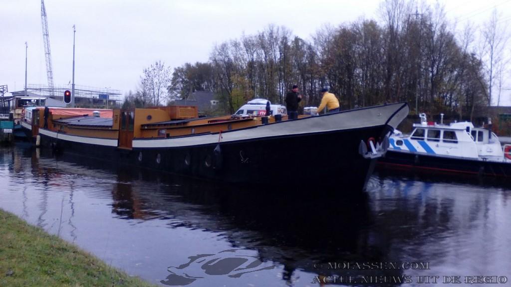 Pannenkoekenschip is maandagmiddag aangekomen aan de kop van de Vaart in Assen