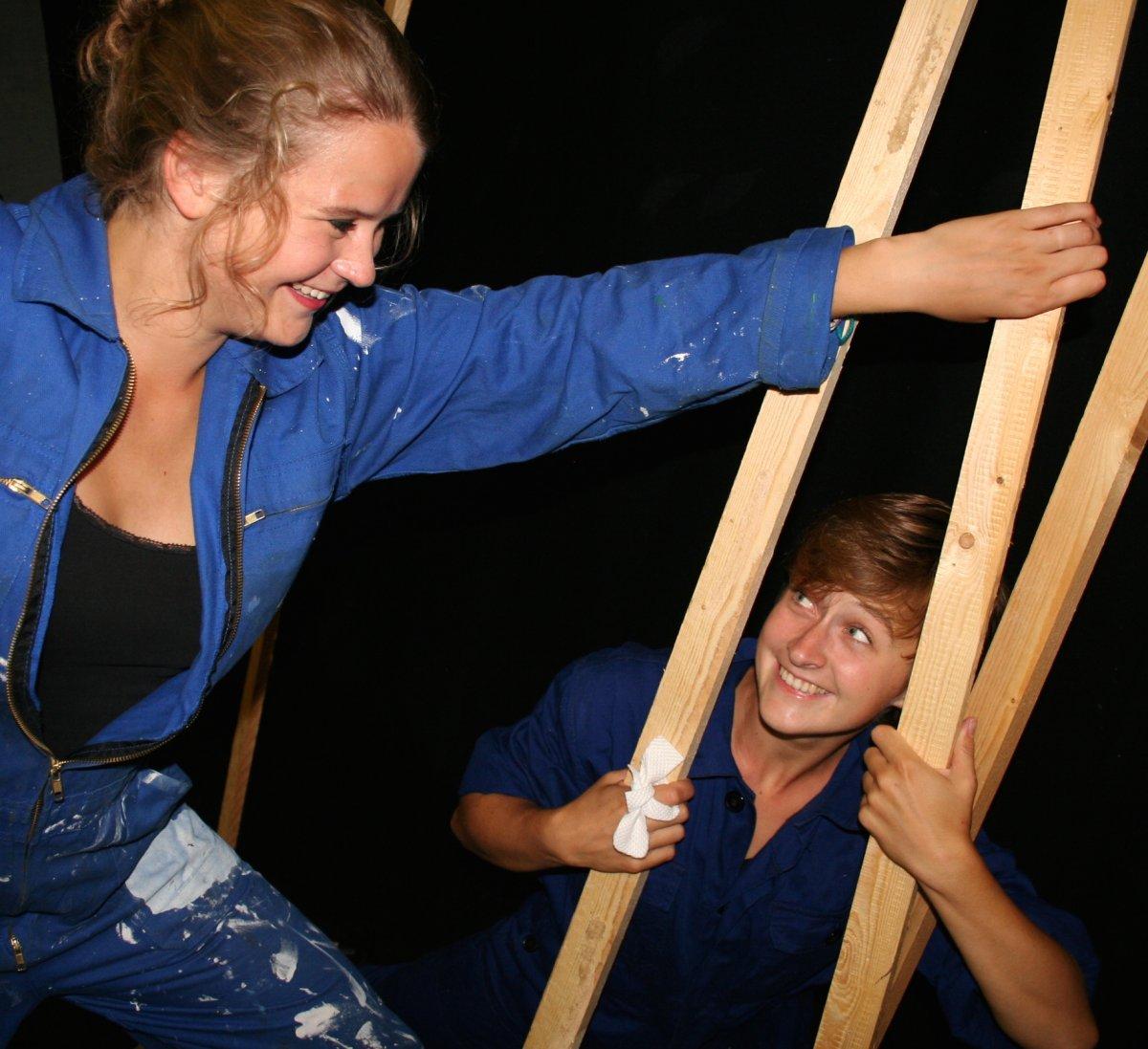 Dansvoorstelling 'Torenhoog' in Bibliotheek Assen