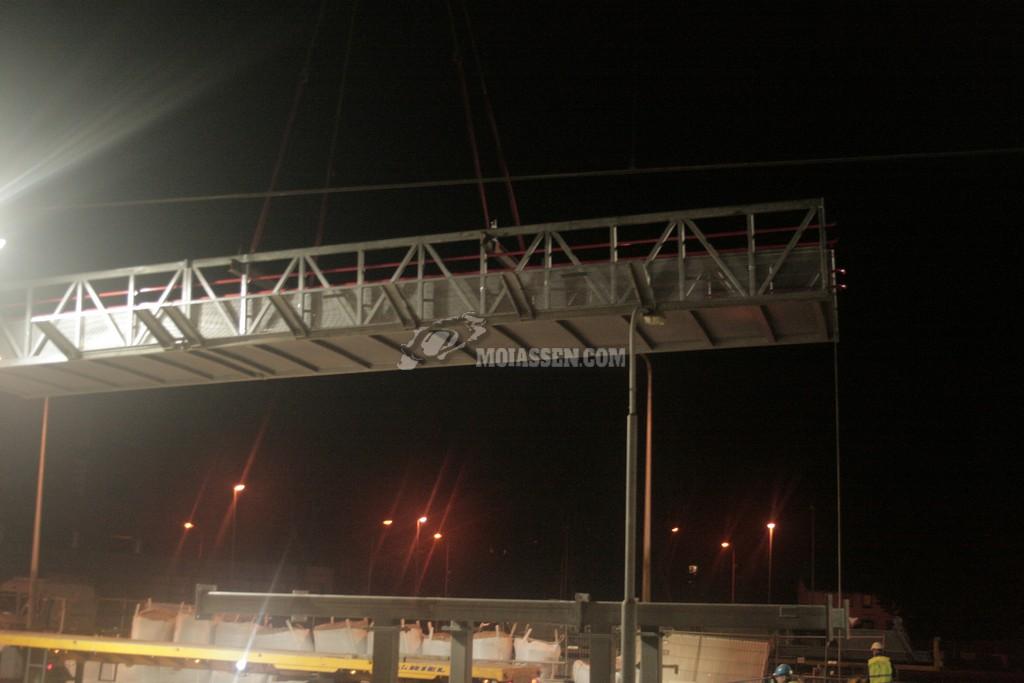 Loopbrug station assen eindelijk geplaatst.