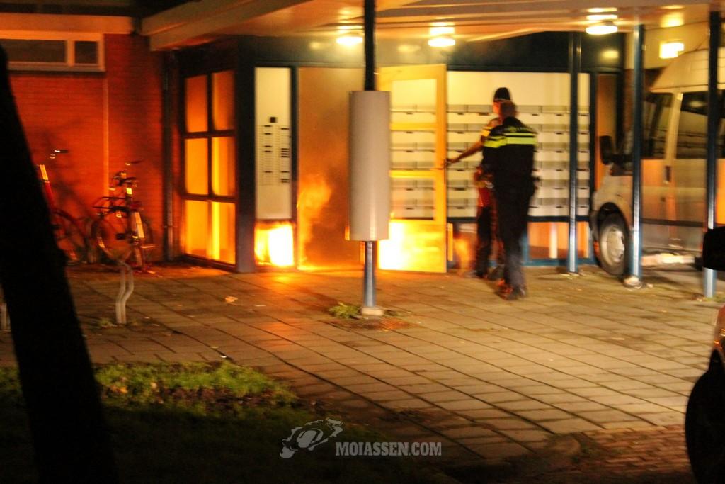 Portiekbrand (flat) aan de Oldengaardestraat in Assen