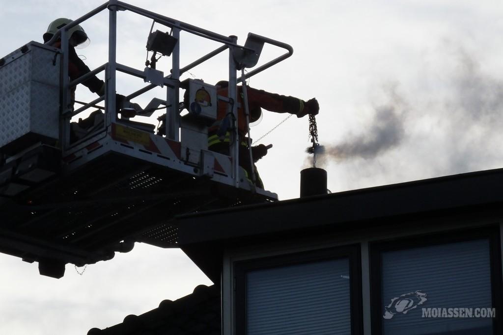 Video's: schoorsteenbrand, Woningbranden aan de Venestraat en Zuidenveld in Assen