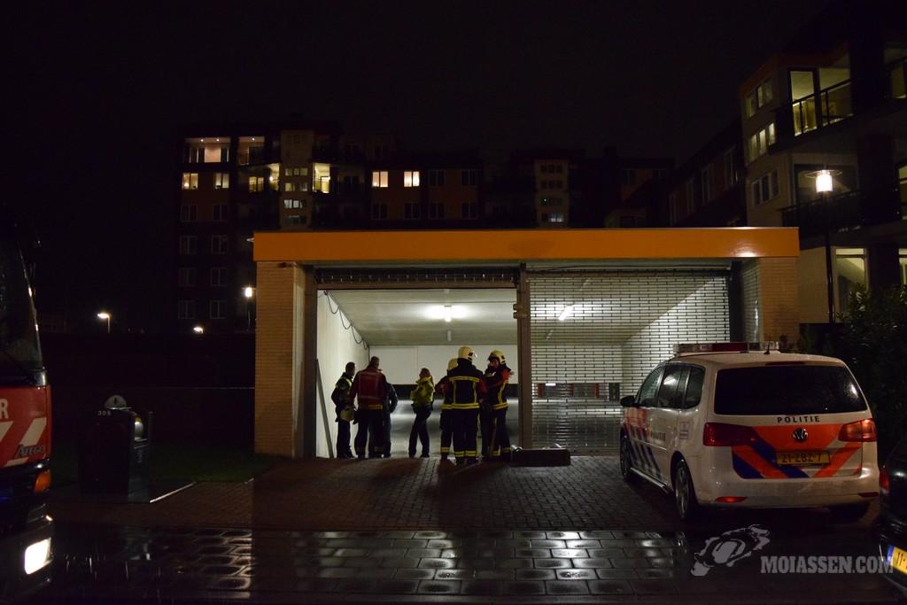 Brandweer Assen gealarmeerd voor brandgerucht aan Nijlanstraat in Assen