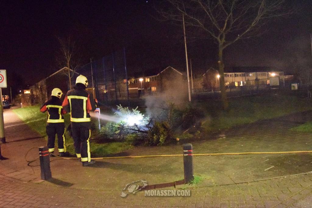 Buitenbrand aan de Maasstraat in Assen