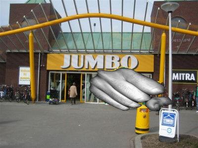 Winkeldieven slaan medewerker van de Jumbo het ziekenhuis in