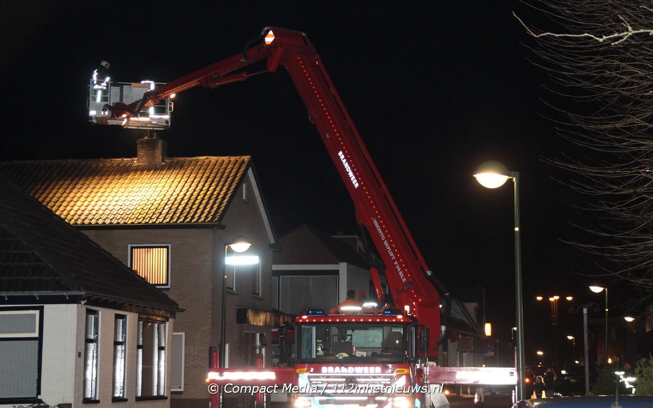 Problemen voor brandweer bij schoorsteenbrand in Oosterwolde