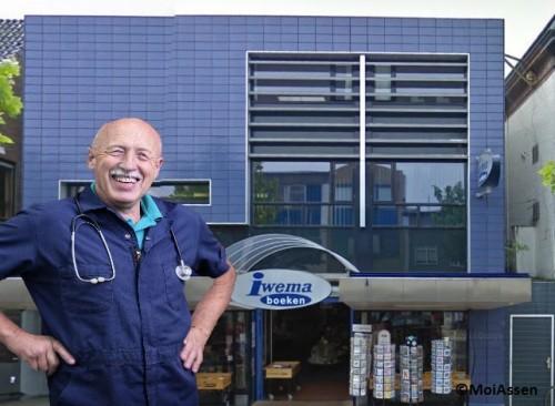 Grote belangstelling: signeersessie dr. Jan Pol is vol