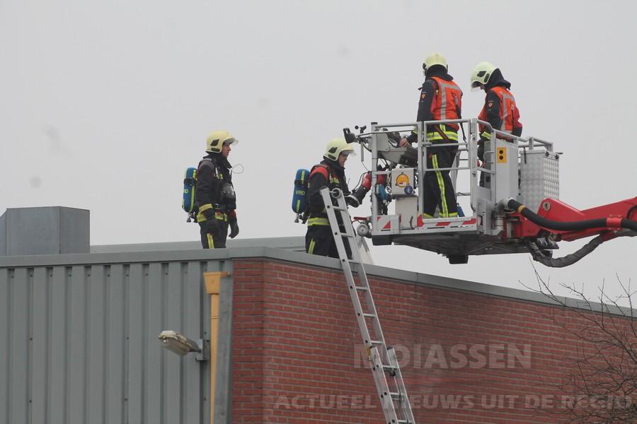 Brand bij multa metaalbedrijf  van Vanboeijen in Assen (2x video)