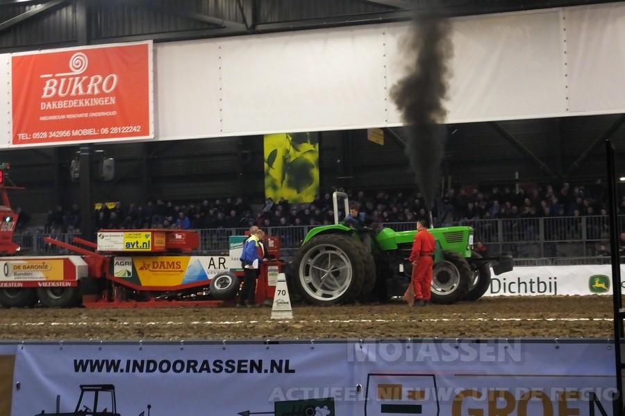 Tractorpulling Indoor in TT-Hall Assen (Video)