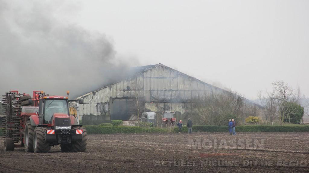 Grote brand in aardappelschuur aan de Peesterweg in Zuidvelde