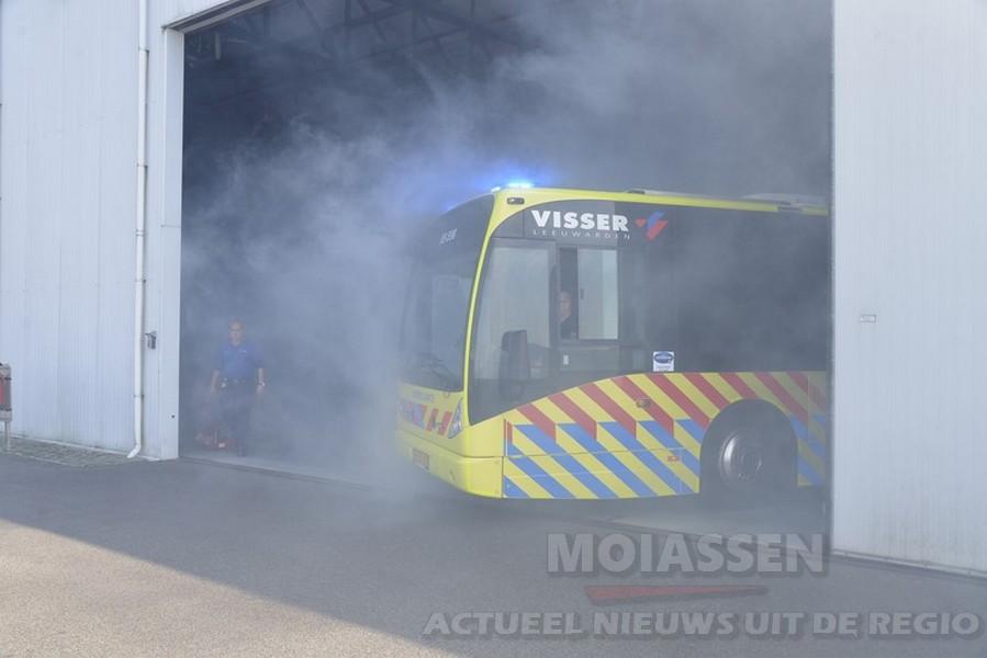 Lijnbus omgebouwd tot ambulancebus