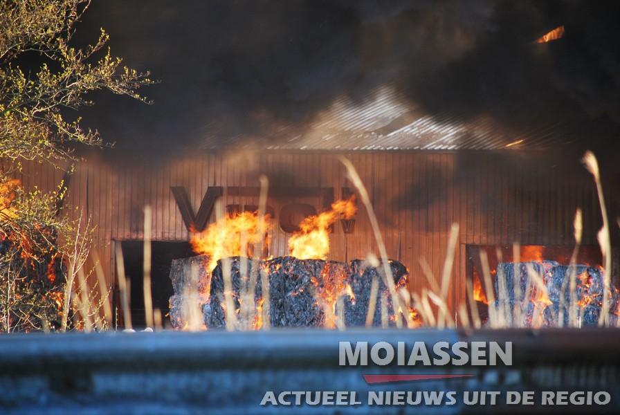 Grote brand bij recyclingbedrijf Virol in Scheemda