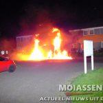 Bedrijf bus en personenauto in vlammen aan de Geulstraat in Assen (update Video)