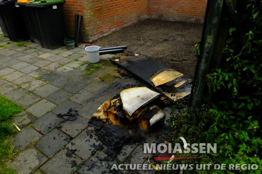 Brandweer van Assen gealarmeerd voor buitenbrand in de wijk Pittelo
