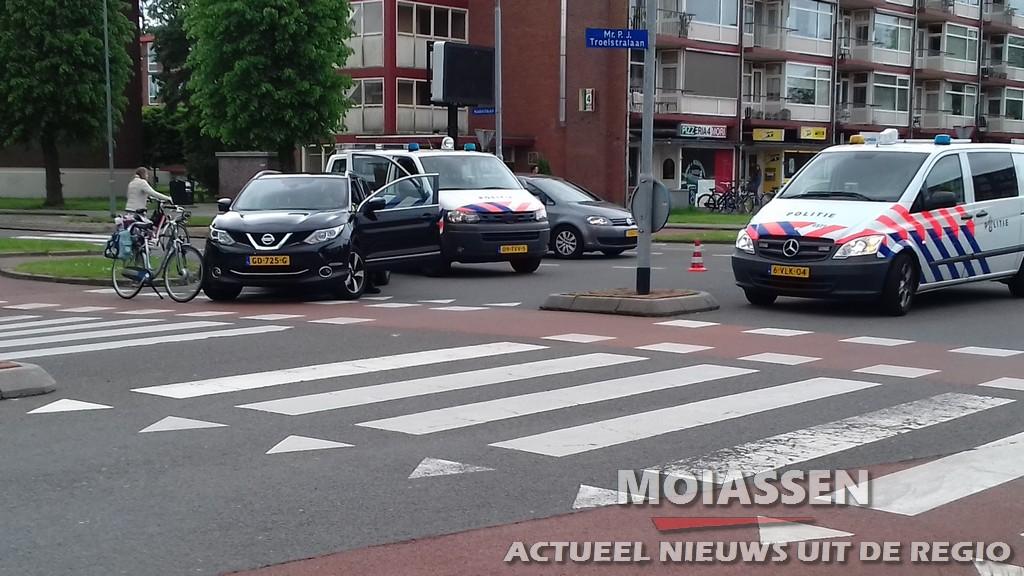 Fietser gewond op kruising Nobellaan/Troelstralaan in Assen