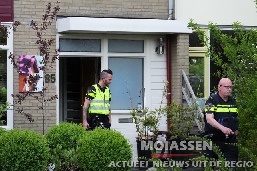 De politie blust keukenbrand aan de Moezelstraat in Assen
