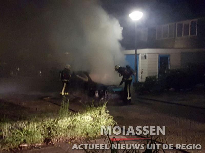 Opnieuw auto in brand in Assen