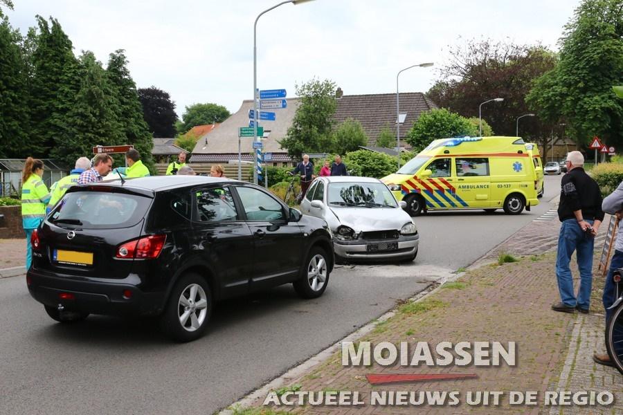 Licht gewond bij ongeluk op de Hoofdstraat in Odoorn