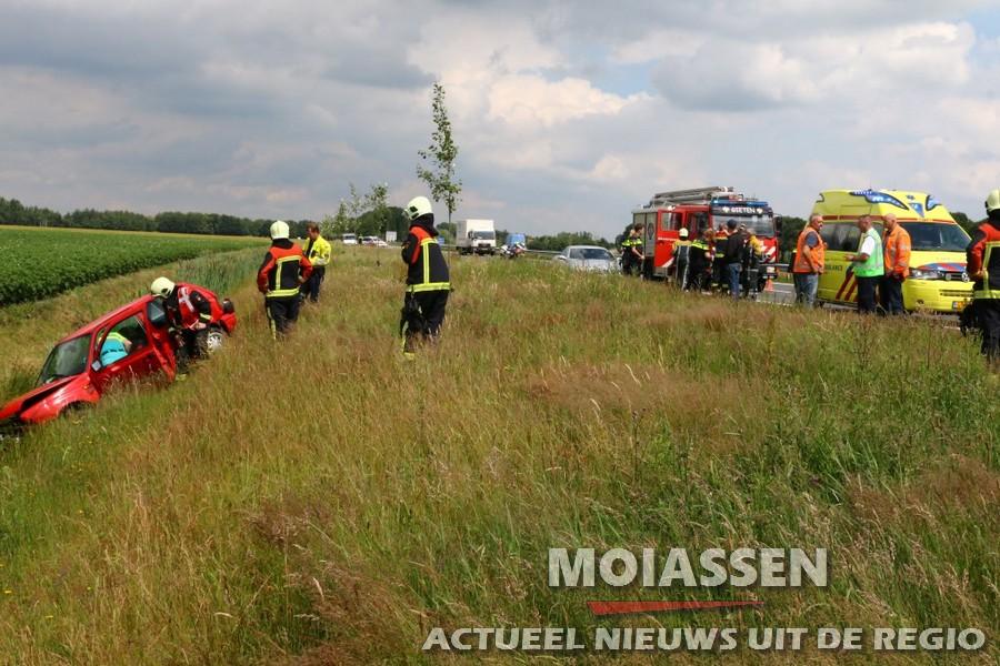 Automobiliste gewond geraakt op N33 bij Gieterveen