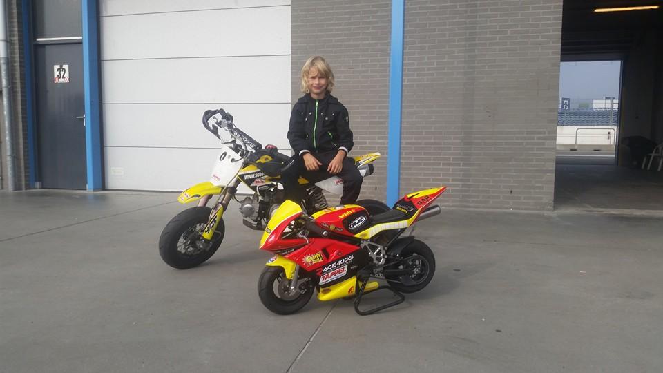supermoto en minibike gestolen  van jonge motorcoureur uit Assen
