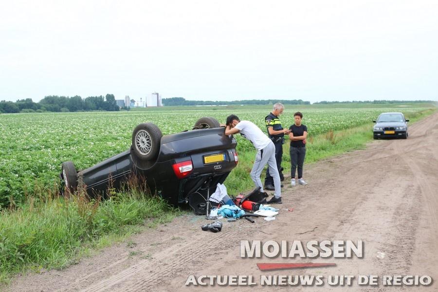 Auto slaat over de kop op zandweg in Gasselternijveen