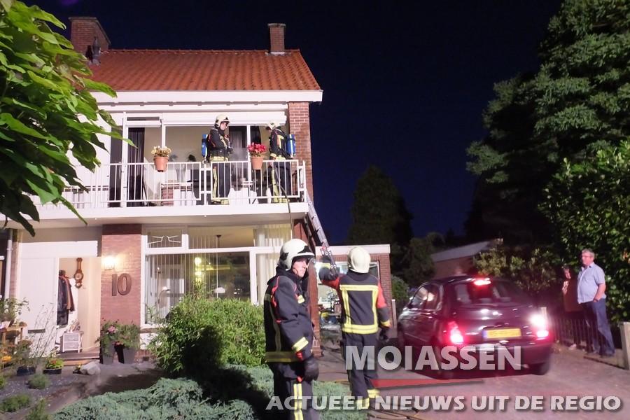 Brandweer van Assen gealarmeerd voor een wespennest in spouw
