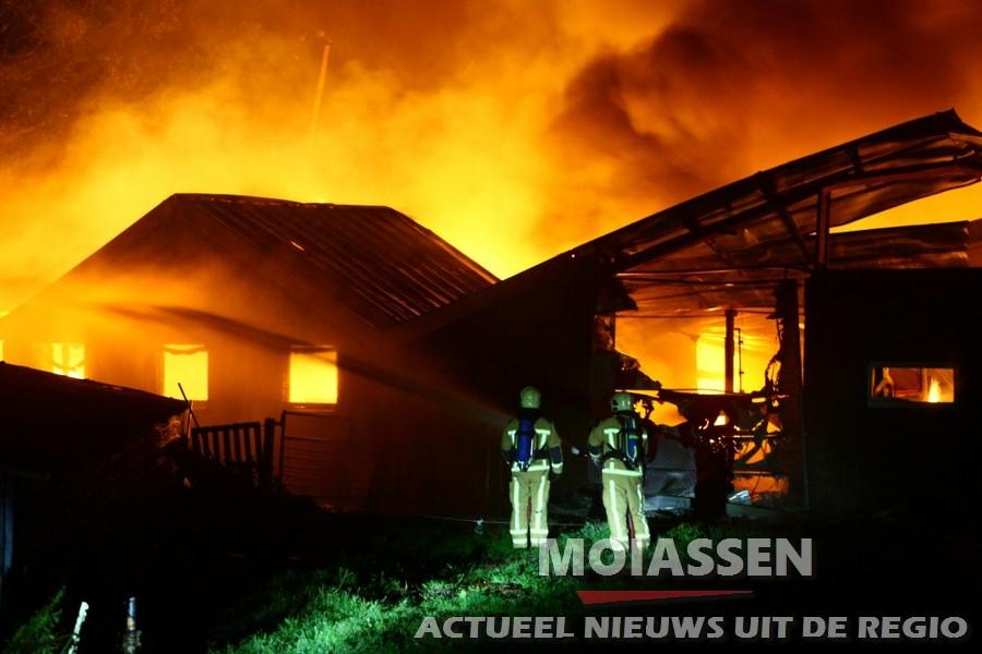 15.000 kippen komen om bij brand in Orvelte