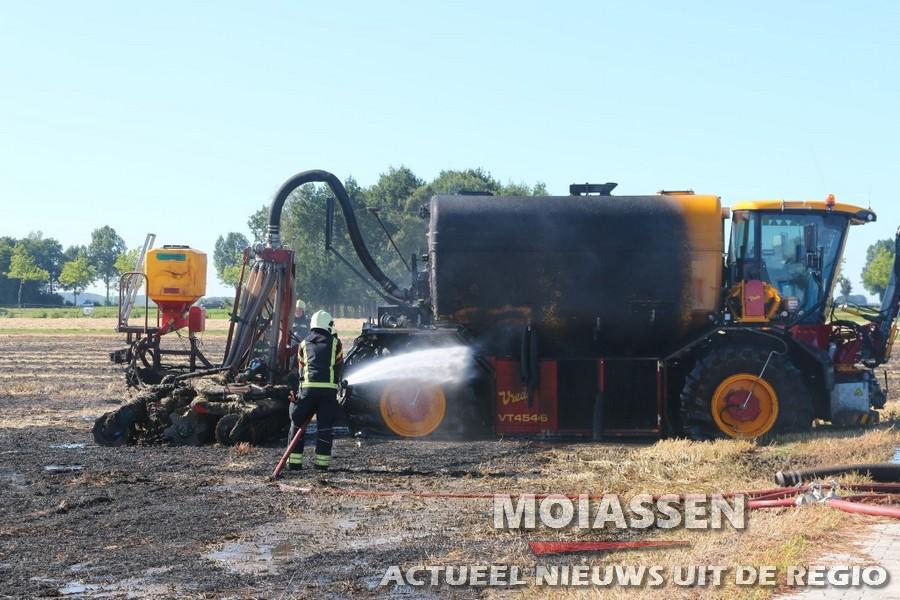 Mest injecteermachine vat vlam bij laden
