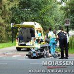 Personenauto contra scooter in Assen