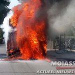 Lijnbus 2 volledig uitgebrand in Eelde