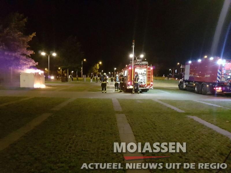 Kledingcontainer  uitgebrand in de wijk Kloosterveen Assen