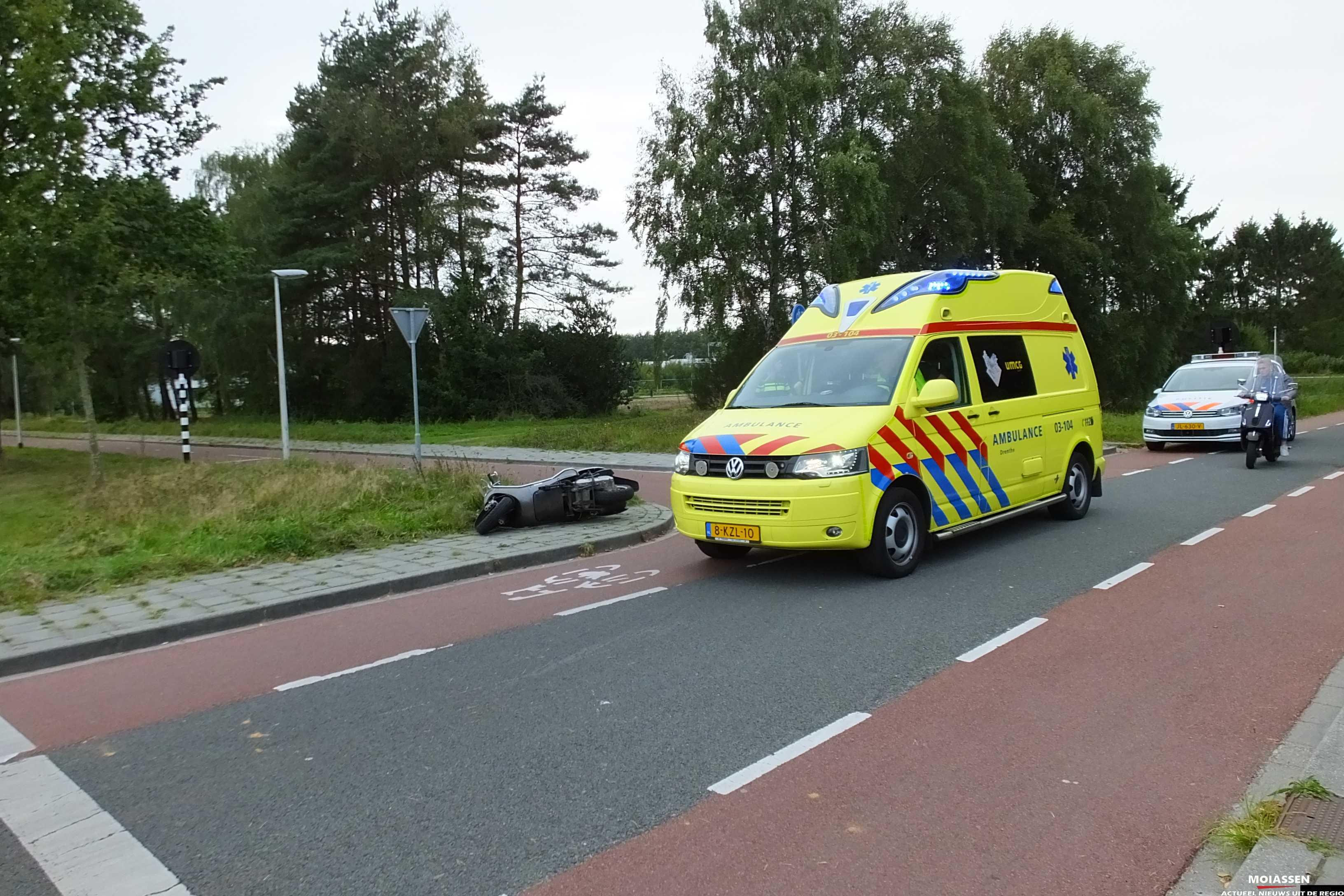 Scooterrijders botsten op elkaar op Hoofdvaartsweg in Assen