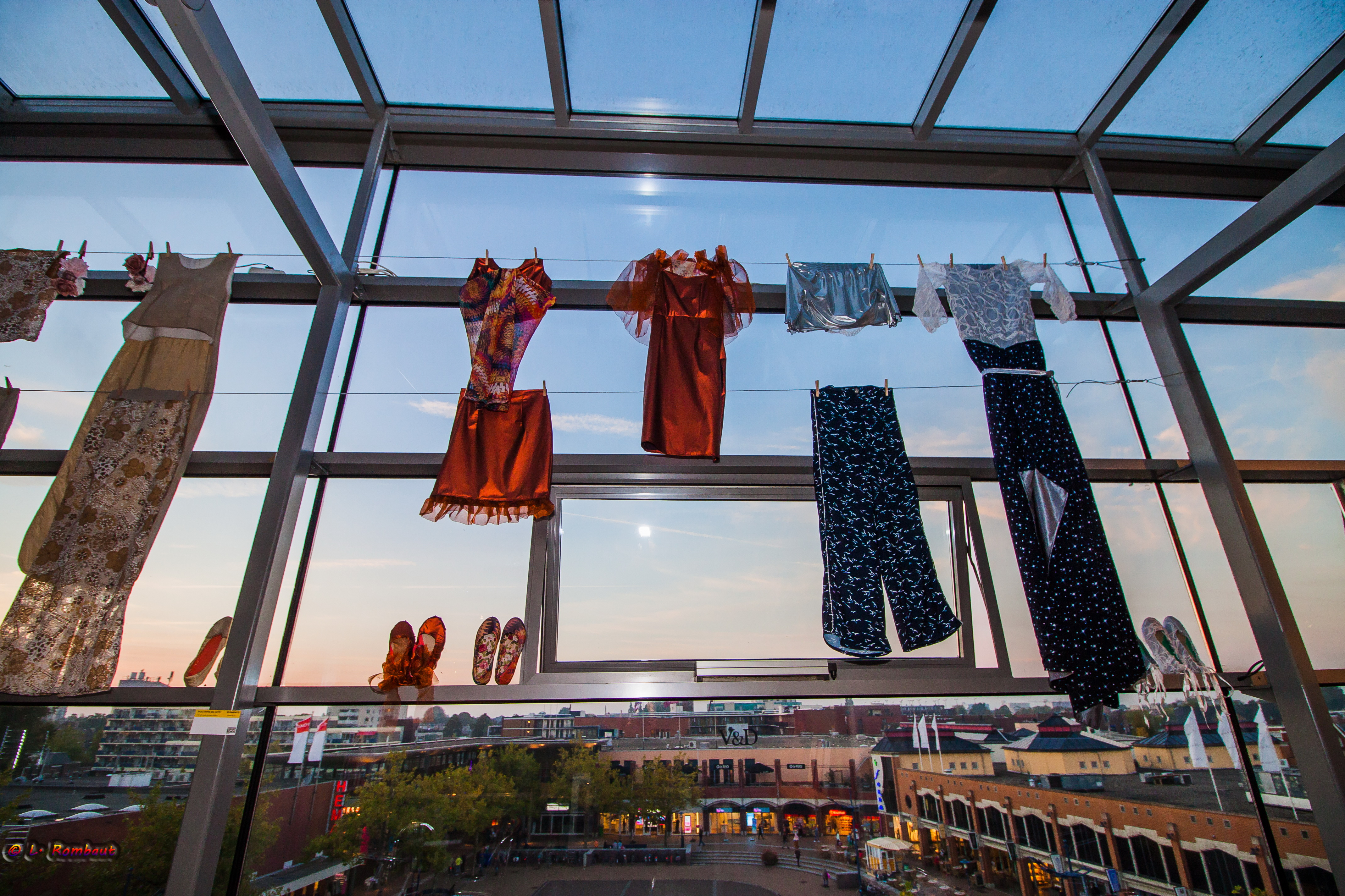 Kunstbende exposeert bij Kunstcafé Warenhuis Vanderveen