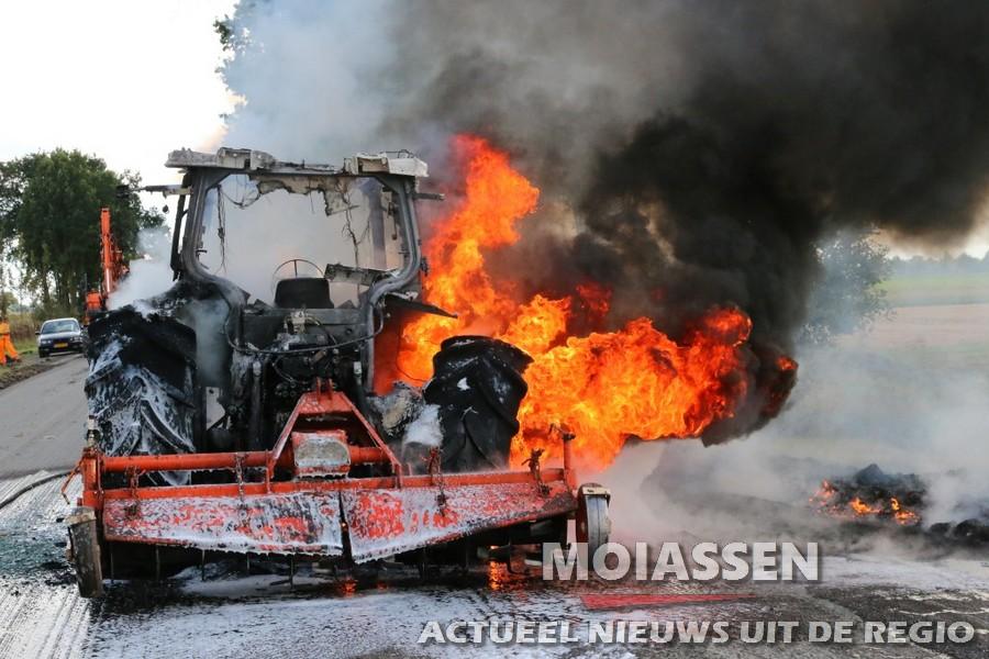 Trekker uitgebrand op de Kielsterachterweg in Annerveenschekanaal