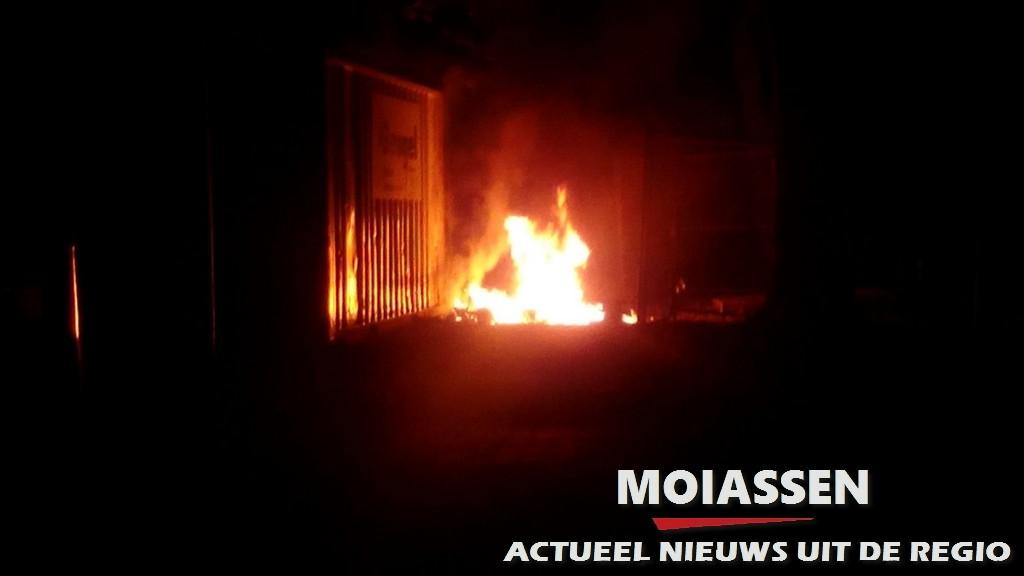 Dixi gaat zaterdagmorgen in vlammen op (UPDATE FOTO'S)