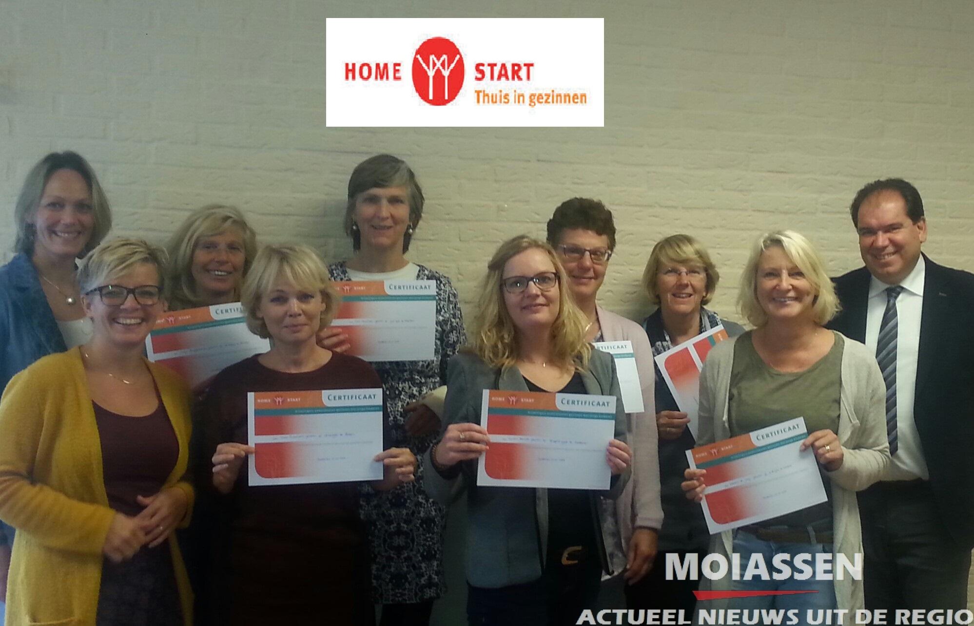 Burgemeester Thijsen reikt certificaten uit aan geslaagde Home-Start vrijwilligers