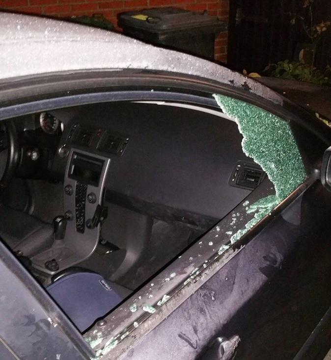 Autodieven slaan toe bij geparkeerde auto in centrum Assen