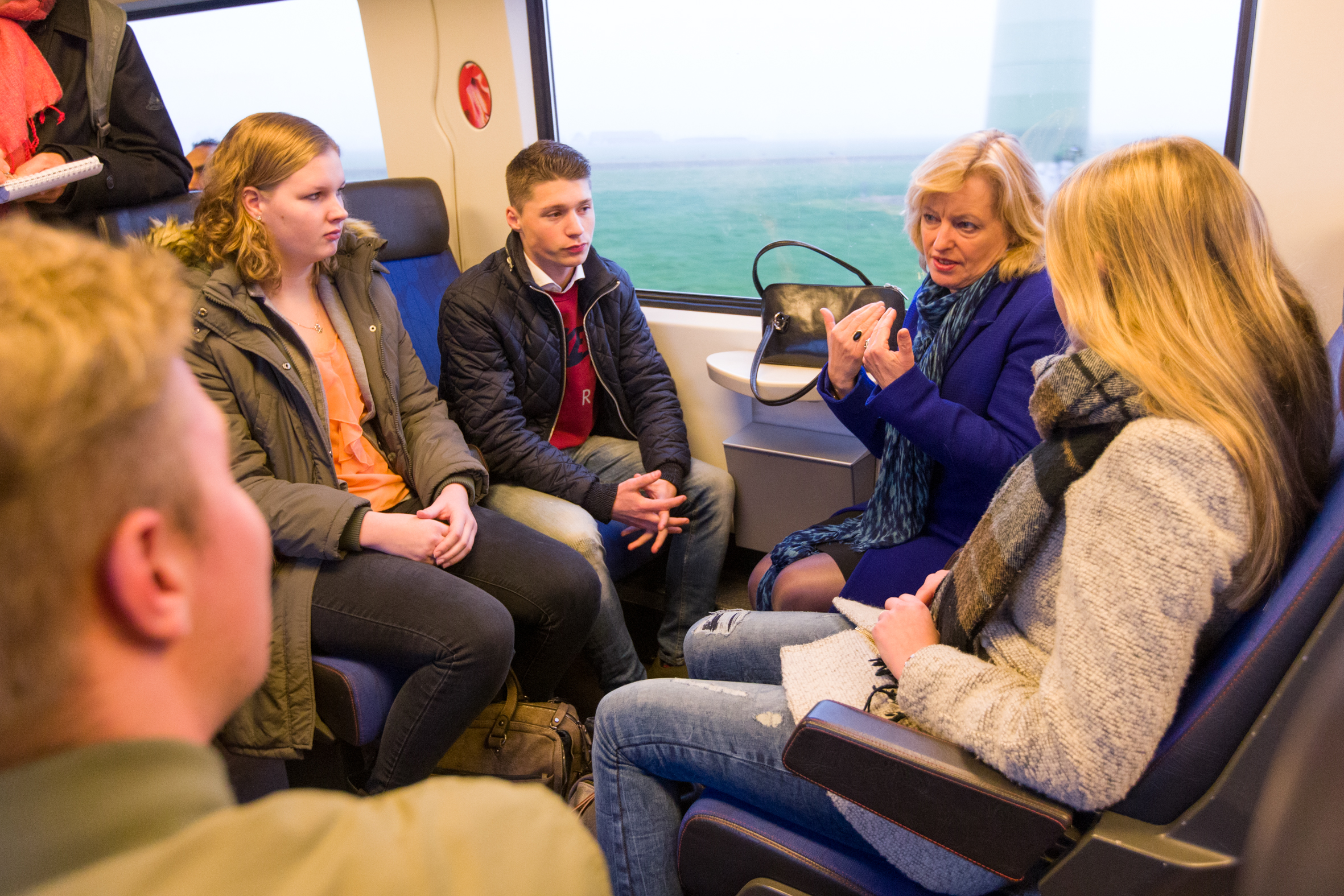 Minister Bussemaker (Onderwijs) op werkbezoek in Meppel Ingebruikname OV-Jaarkaart, verbinding onderwijs met regio en Drukkerij Museum