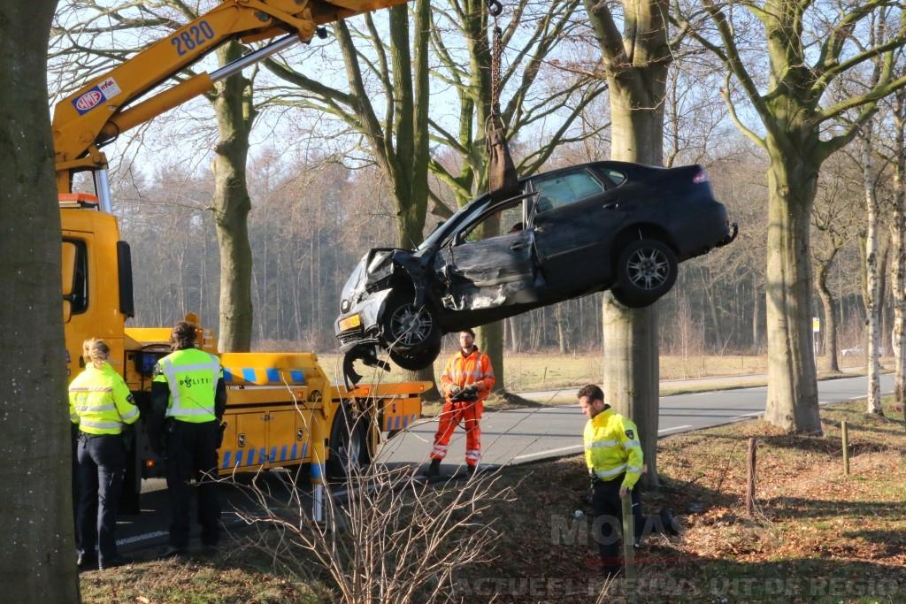 Bestuurder uit Nieuw-Buinen zwaargewonde bij verkeersongeval op de Oosteinde in Gasteren