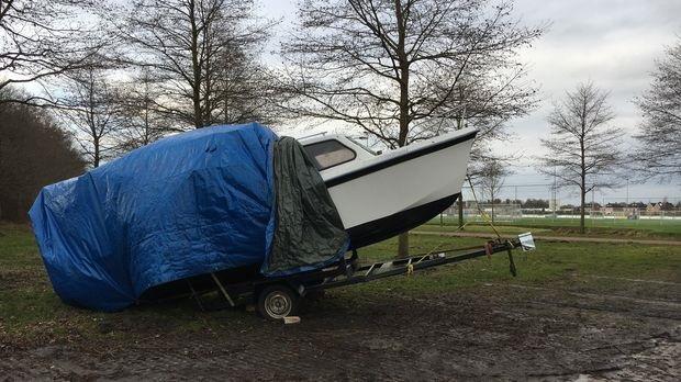 Van wie is deze boot? nabij Sportpark de Hoogspanning in Assen