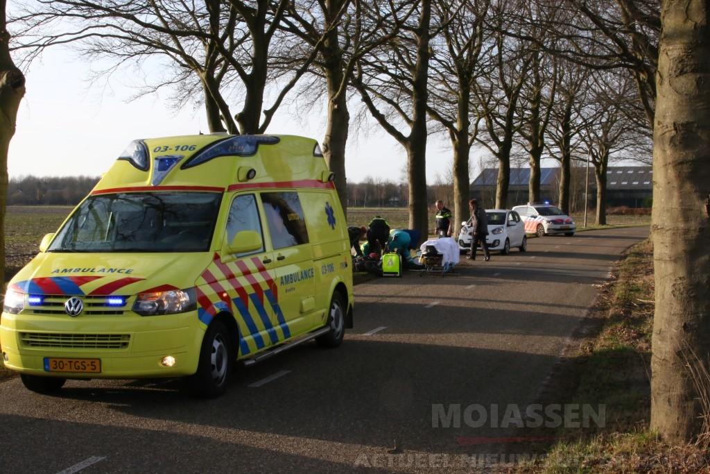 Middagje toeren op de motor eindigt tegen bij Annen, Vrouw uit Emmen gewond