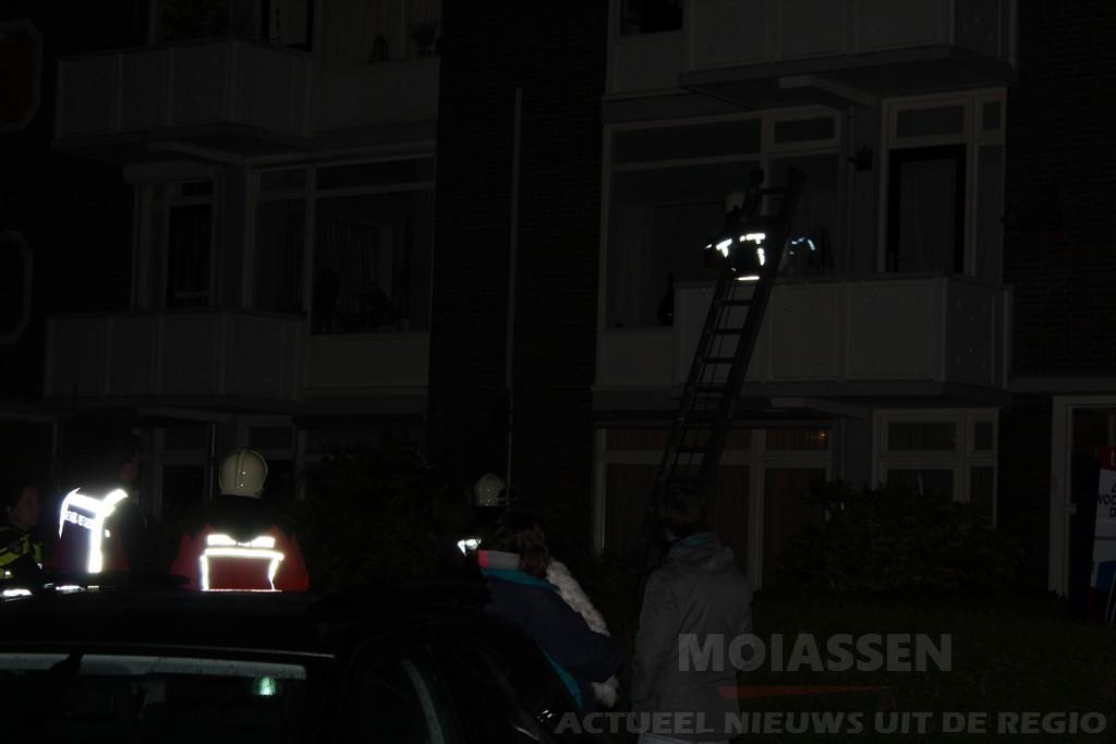 Bewoners aan Oosterpark in wijk Assen-Oost moeten woningen uit na 'gas-alarm'
