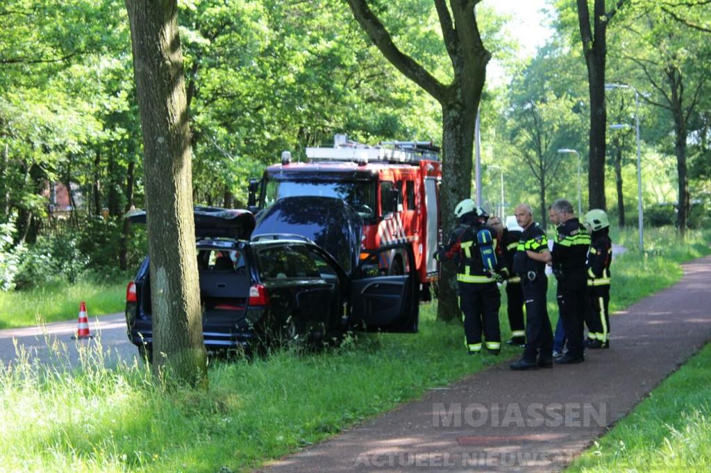 Personenauto zwaar beschadigd door brand in Assen