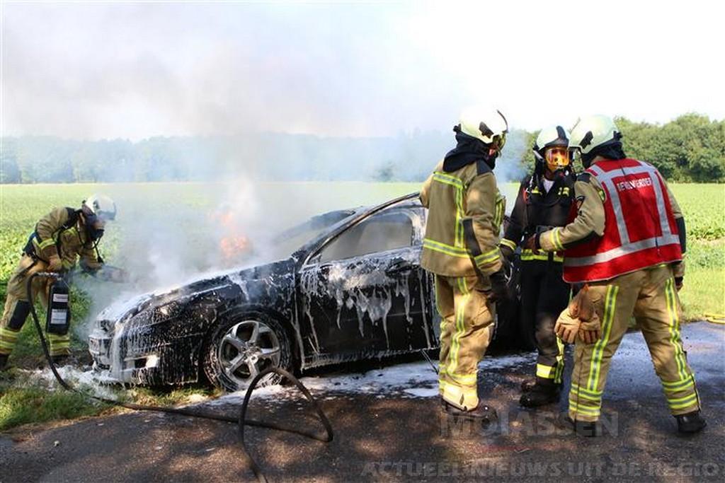 Auto uitgebrand op de Holtkampen in Annen