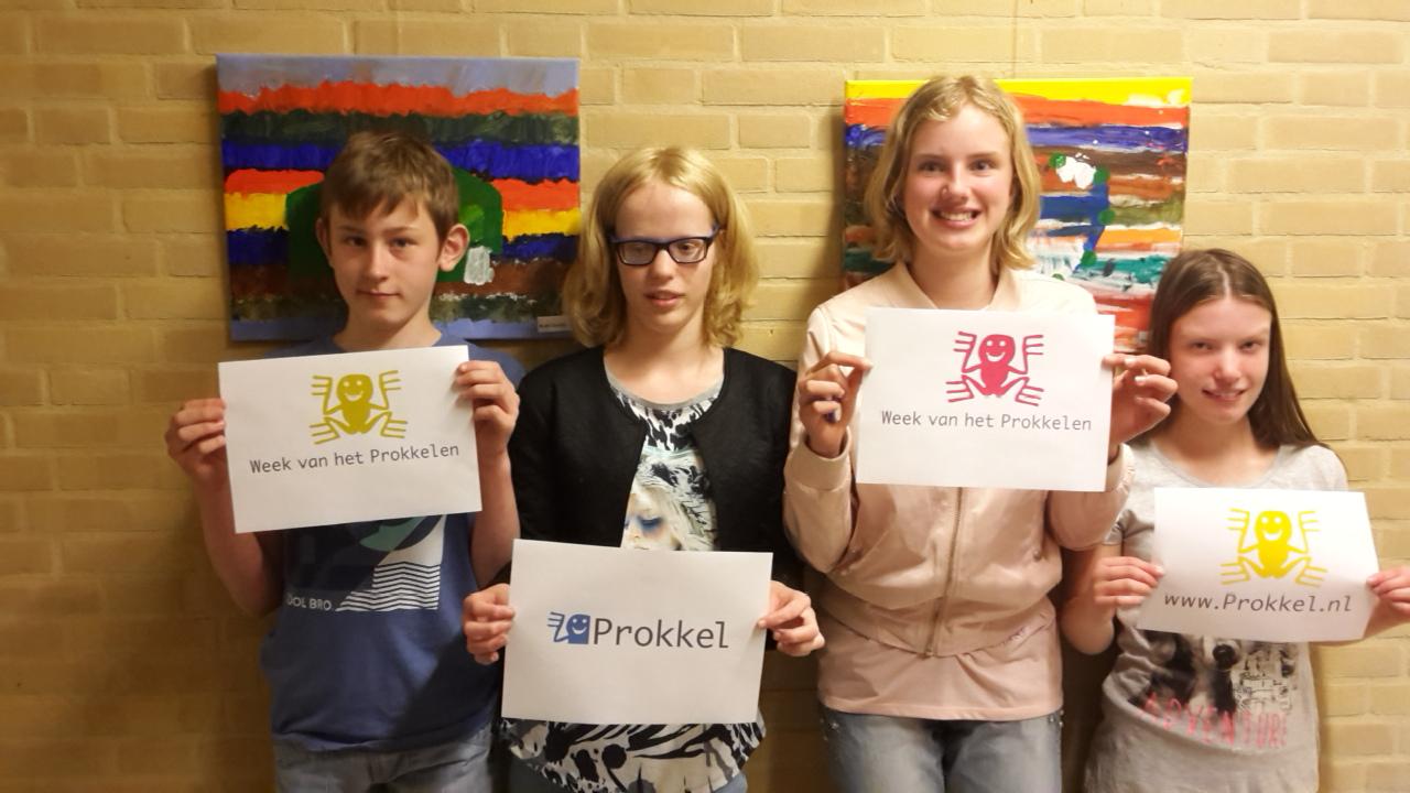 Leerlingen W.A. van Lieflandschool op prokkelstage bij Vanderveen